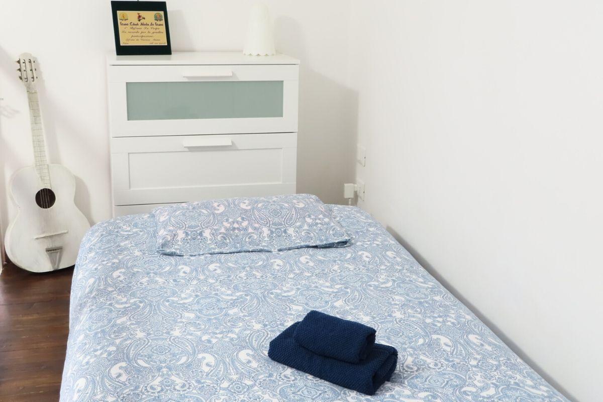 Apartament Vespa Noto na Sycylii - pokój z pojedynczym łóżkiem