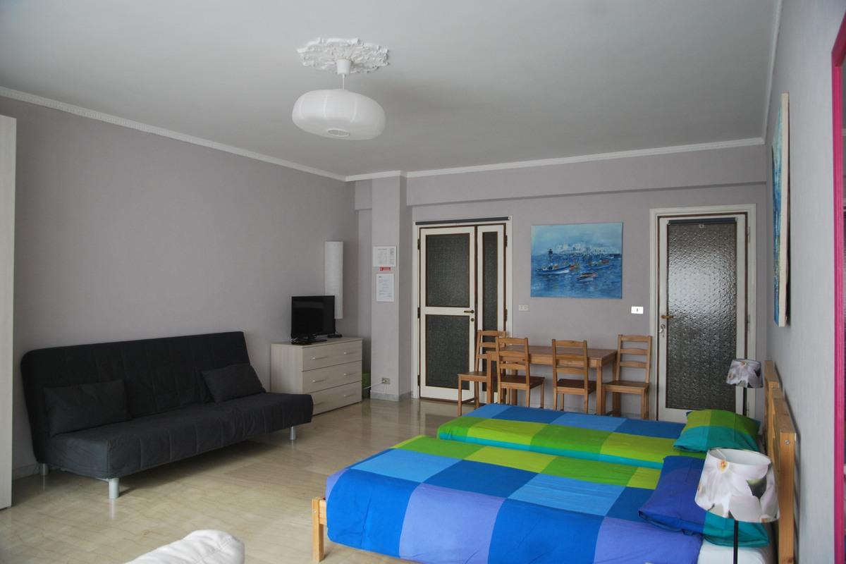 Pokój fioletowy - polskie apartamenty w Rzymie