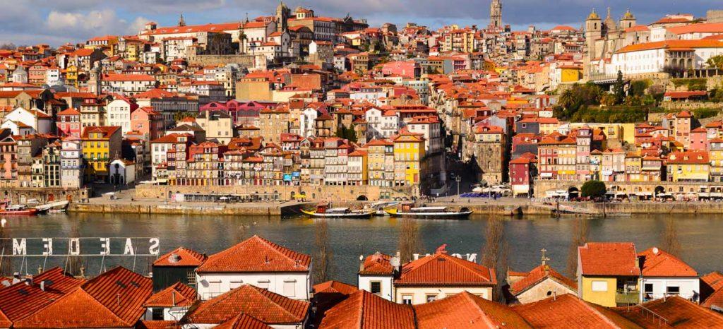 Rdzawoczerwone dachy Porto urzekły Dorotę od pierwszego wejrzenia!