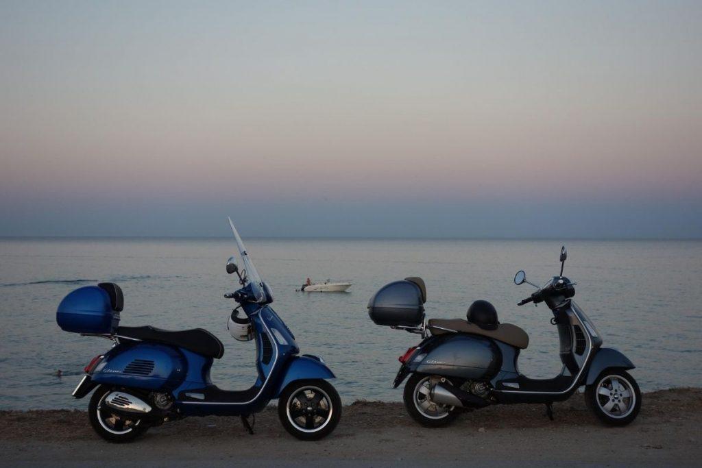 Skutery Vespa na Sycylii